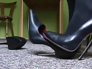 Bending and breaking stilettos high heels