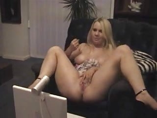 Watch her do a private JOI