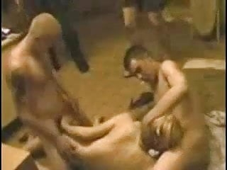 Russian soldiers brought a whore to the barracks and vyebli